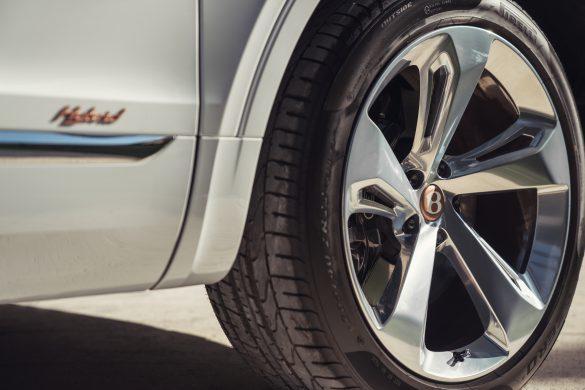 Bentley Bentayga Hybrid - 16