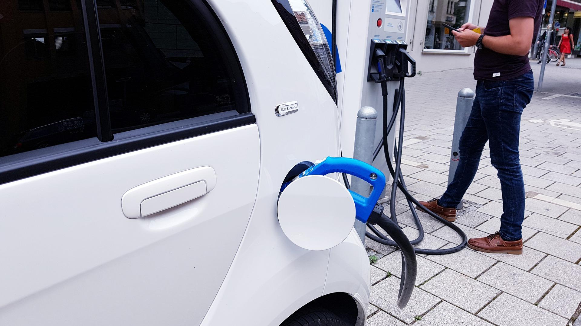 Elektrische Auto Kopen Of Leasen De Voordelen Nadelen