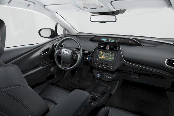 Vernieuwde Toyota Prius Plug-in Hybrid is zuiniger en heeft 3-zits achterbank