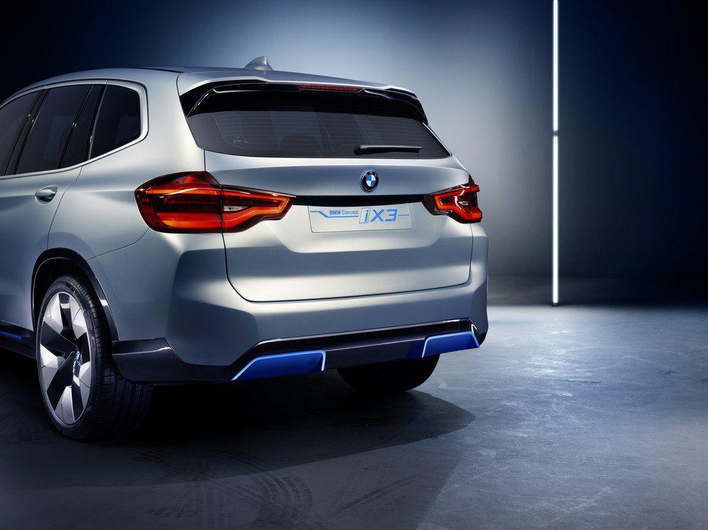 BMW iX3 - achterkant