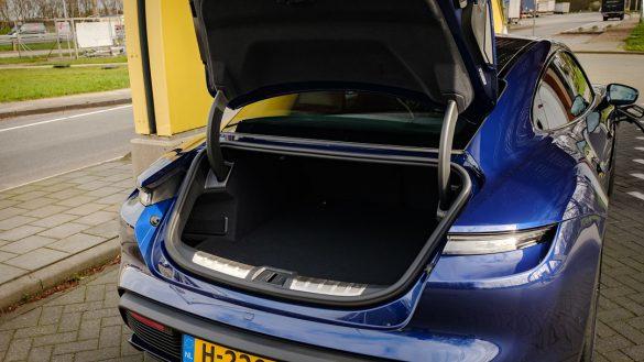 Porsche Taycan Turbo bagage voor
