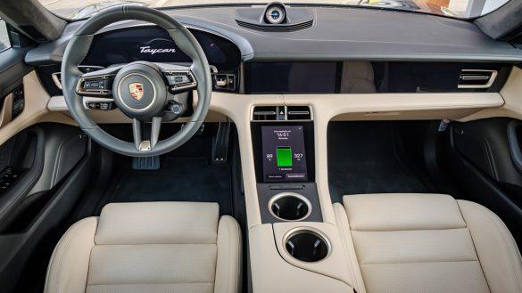 Porsche Taycan Turbo interieur
