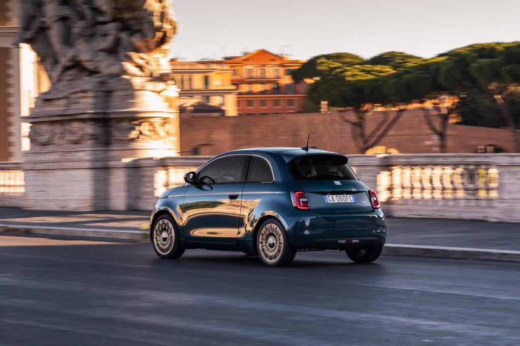 Fiat 500e elektrisch achterzijde