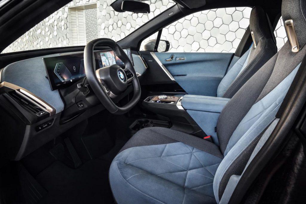 De BMW iX aan de binnenkant.